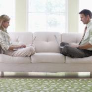 Uredska stolica za smartphone i tablete, ergonomija dolazi zadnja?